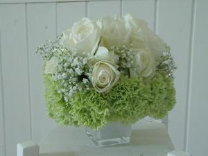 Fiori Bianchi E Verdi.Cilindro E Bouquet
