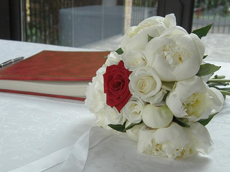 Matrimonio Bed Of Rose : Matrimonio in castello cilindroebouquet